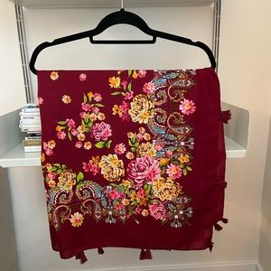 SALE🎁H&M floral scarf with tassels